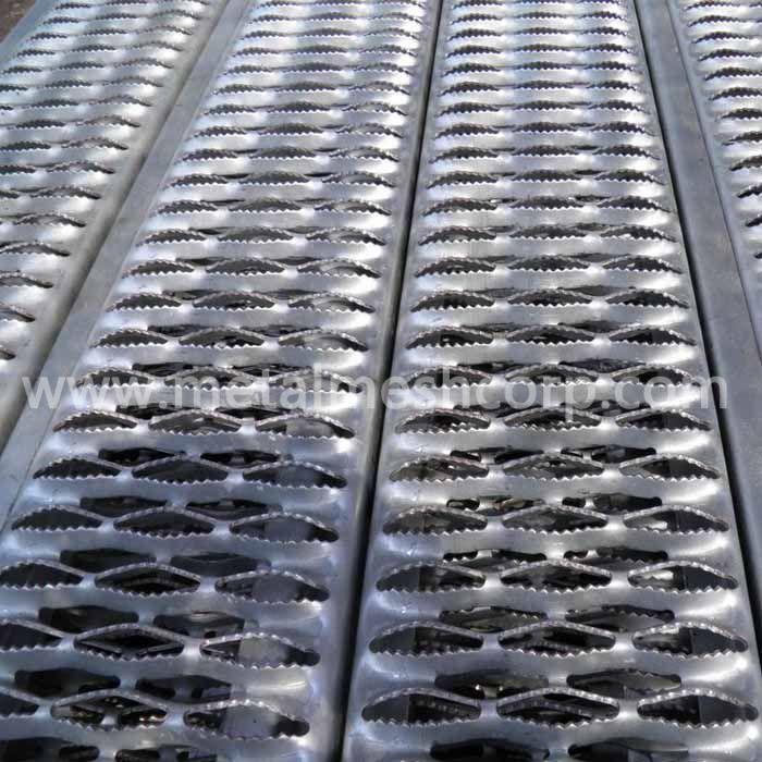 Anti-Skid Floor Plates
